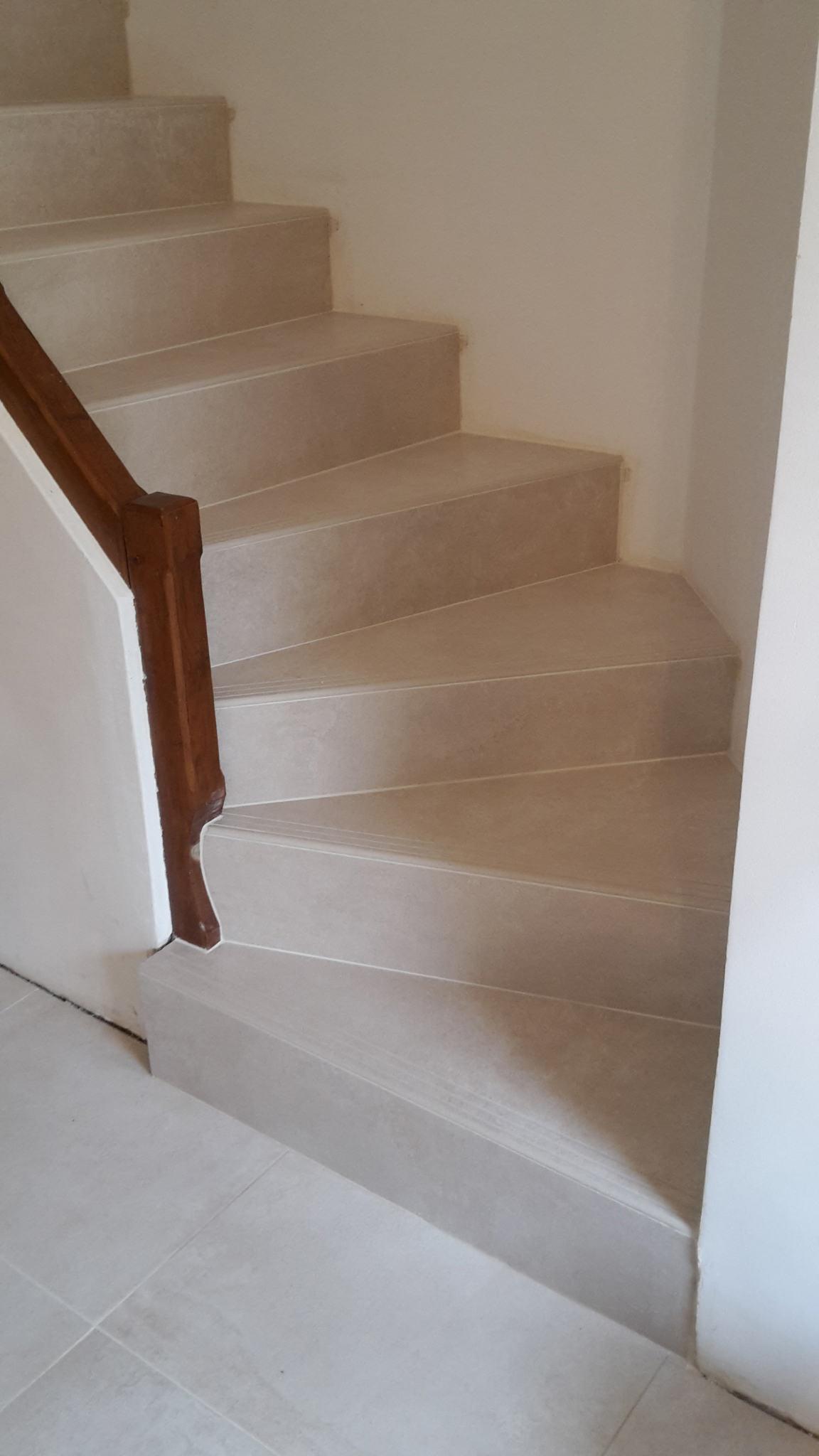Habillage marches escalier avec les nez des marches façonner 1